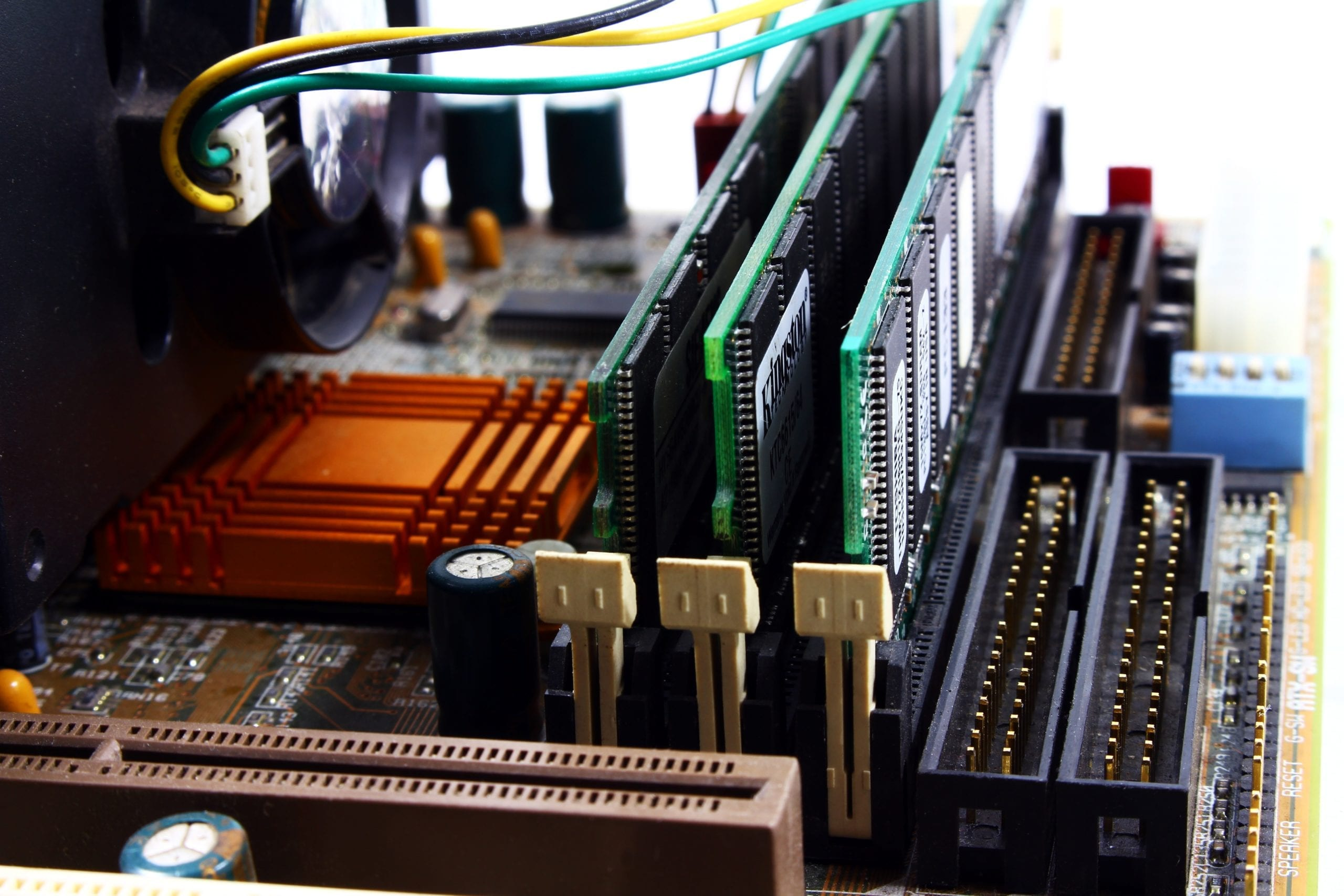 Reliable Tek Help can replace and repair internal computer components.